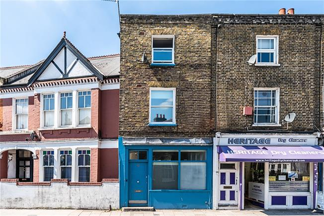 Asking Price £839,950, 3 Bedroom Flat For Sale in London, SW4
