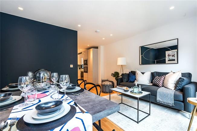 Asking Price £1,350,000, 4 Bedroom Mews House For Sale in London, SW9