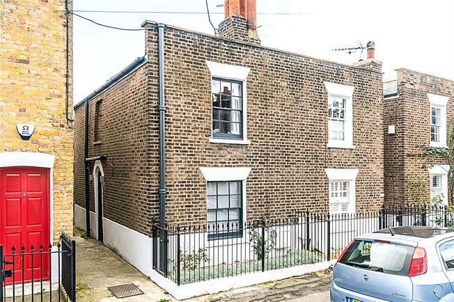 Asking Price £1,000,000, 2 Bedroom Semi Detached House For Sale in London, SW4