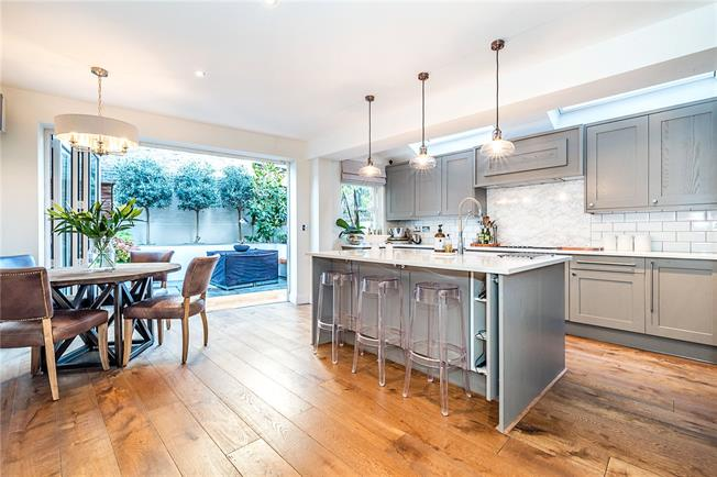 Guide Price £1,695,000, 5 Bedroom Terraced House For Sale in London, SW4