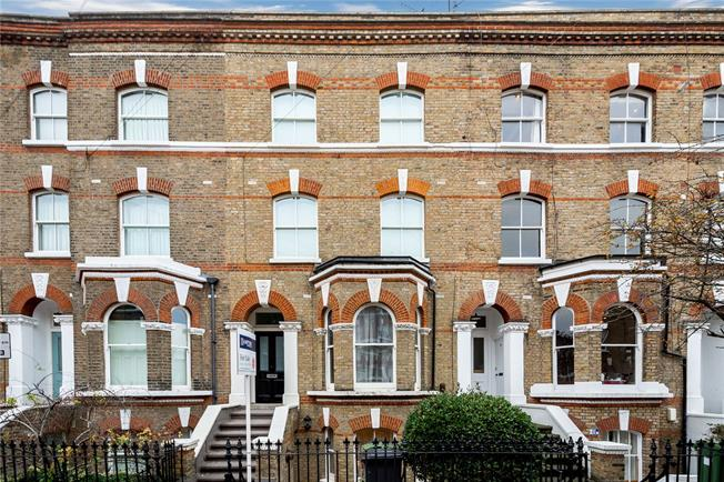Asking Price £550,000, 1 Bedroom Flat For Sale in London, SW4
