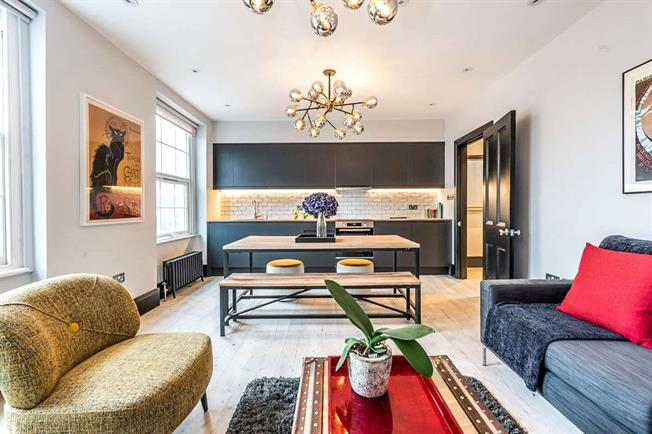 Asking Price £850,000, 2 Bedroom Flat For Sale in London, SW4