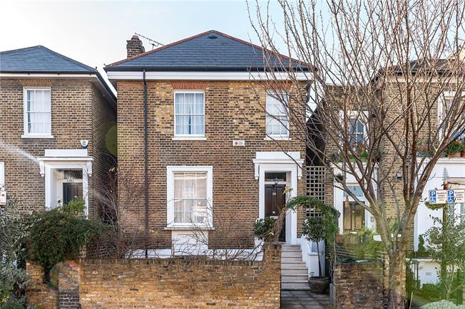 Guide Price £1,895,000, 5 Bedroom Semi Detached House For Sale in London, SW4