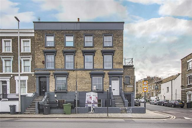 Asking Price £455,000, 1 Bedroom Flat For Sale in London, SW8