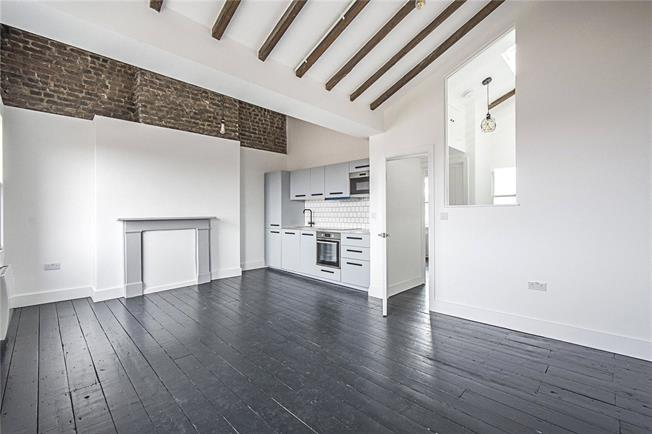 Asking Price £565,000, 2 Bedroom Flat For Sale in London, SW8