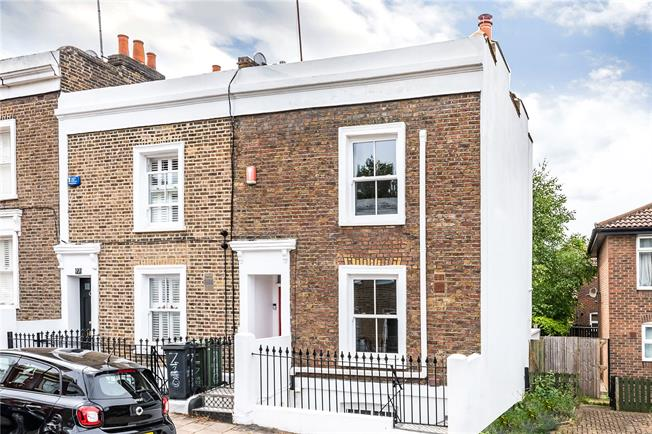 Asking Price £975,000, 3 Bedroom End of Terrace House For Sale in London, SW8