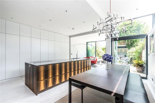 Guide Price £2,650,000, 5 Bedroom Semi Detached House For Sale in London, SW4