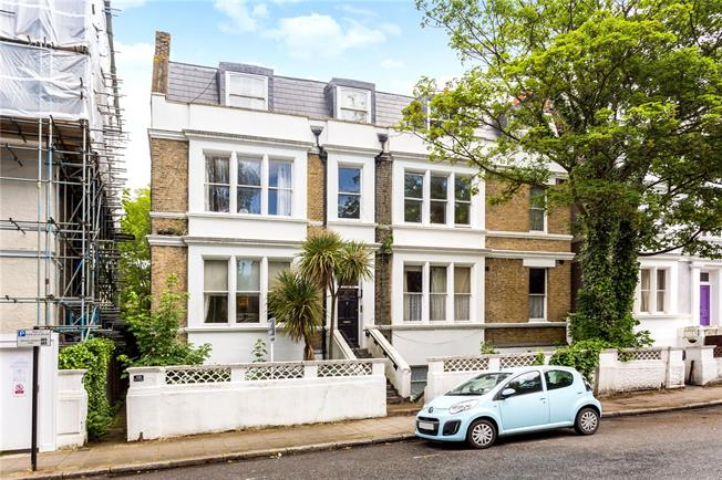 Asking Price £695,000, 2 Bedroom Flat For Sale in London, SW4