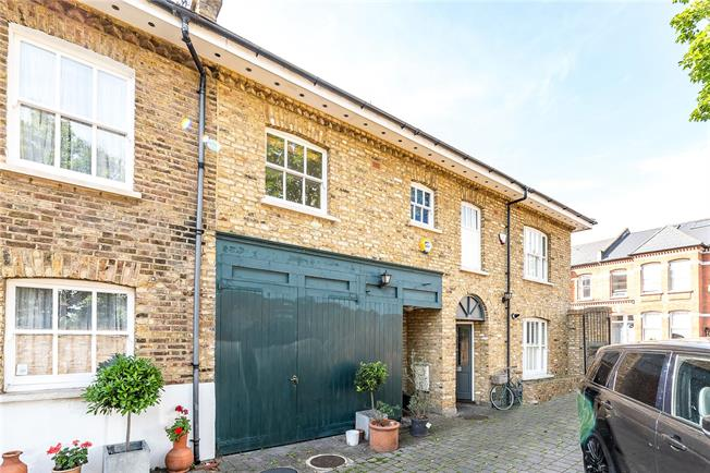Asking Price £1,150,000, 3 Bedroom Terraced House For Sale in London, SW4