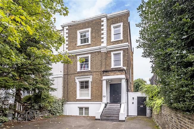 Asking Price £565,000, 2 Bedroom Flat For Sale in London, SW4