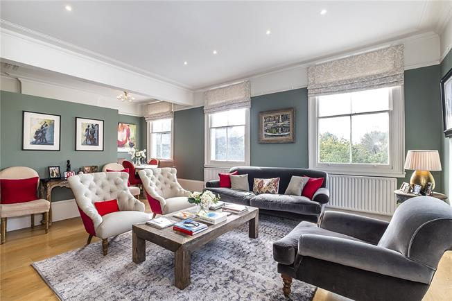 Asking Price £950,000, 2 Bedroom Flat For Sale in London, SW4