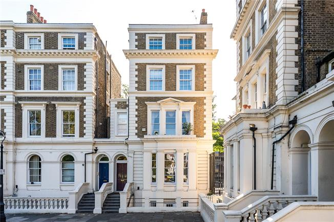 Asking Price £2,100,000, 6 Bedroom Semi Detached House For Sale in London, SW8