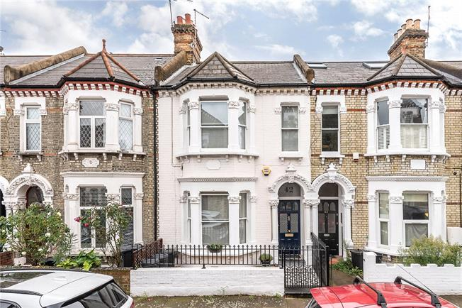 Asking Price £1,250,000, 4 Bedroom Terraced House For Sale in London, SW11