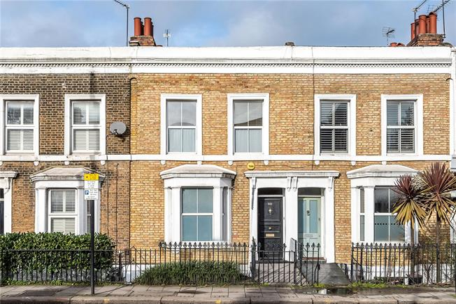 Guide Price £925,000, 4 Bedroom Terraced House For Sale in London, SW8