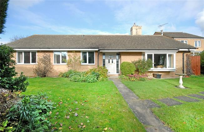 Guide Price £425,000, 4 Bedroom Bungalow For Sale in Middle Barton, OX7