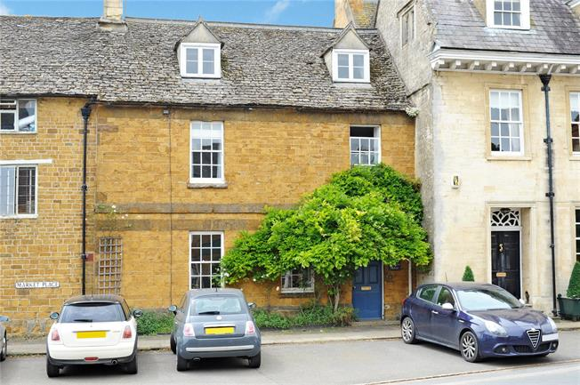 Guide Price £575,000, 3 Bedroom Terraced House For Sale in Oxfordshire, OX15