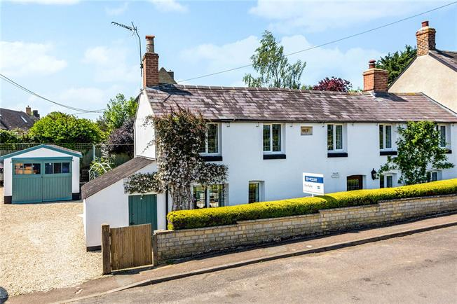 Guide Price £425,000, 3 Bedroom Semi Detached House For Sale in Middle Barton, OX7