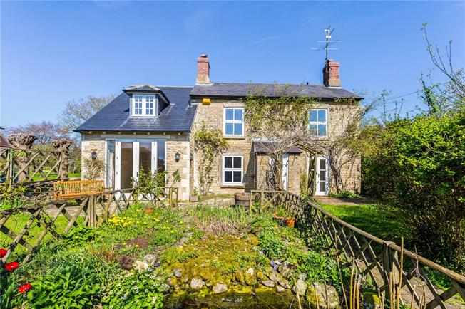 Guide Price £545,000, 4 Bedroom Detached House For Sale in Fritwell, OX27