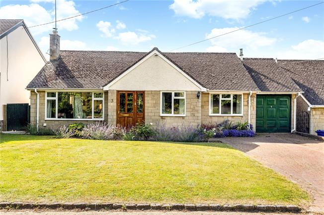 Guide Price £500,000, 3 Bedroom Bungalow For Sale in Duns Tew, OX25