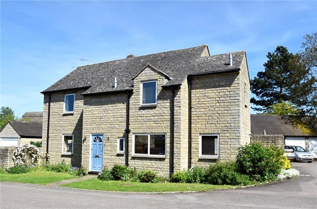 Offers in excess of £550,000, 4 Bedroom Detached House For Sale in Kidlington, Oxfordshire, OX5