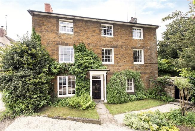 Guide Price £950,000, 5 Bedroom Semi Detached House For Sale in Hook Norton, OX15
