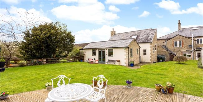 Guide Price £450,000, 2 Bedroom Terraced House For Sale in Fritwell, OX27
