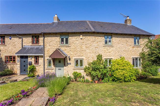 Guide Price £375,000, 3 Bedroom End of Terrace House For Sale in Bicester, Oxfordshire, OX25