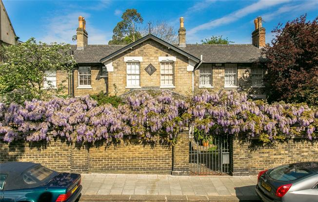 Offers in excess of £1,250,000, 5 Bedroom Detached House For Sale in London, SW2
