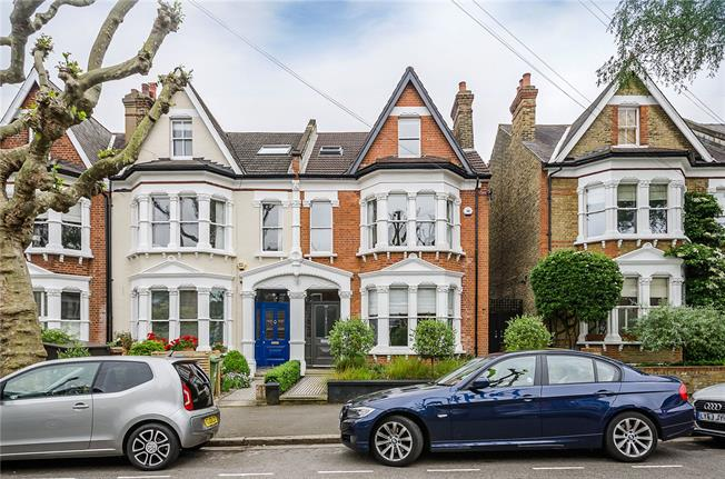 Asking Price £1,995,000, 5 Bedroom Semi Detached House For Sale in London, SE24