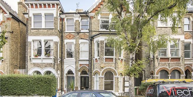 Offers in excess of £499,950, 2 Bedroom Flat For Sale in London, SE22
