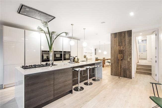 Asking Price £2,250,000, 6 Bedroom Semi Detached House For Sale in London, SE19