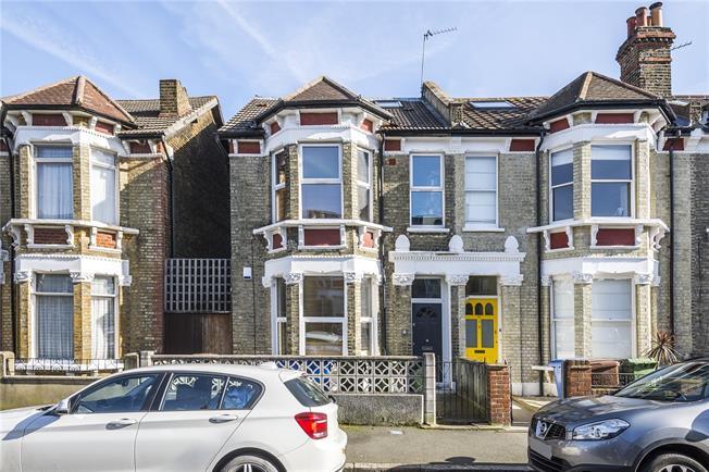 Asking Price £675,000, 3 Bedroom Flat For Sale in London, SE15