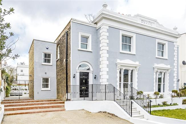 Asking Price £1,295,000, 4 Bedroom Semi Detached House For Sale in London, SE19