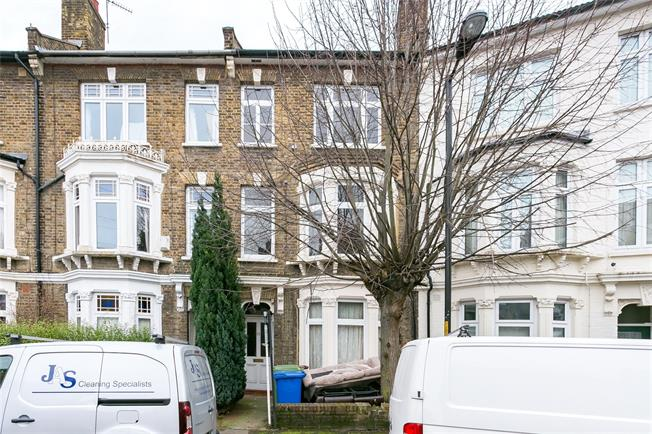 Asking Price £550,000, 3 Bedroom Maisonette For Sale in London, SE22