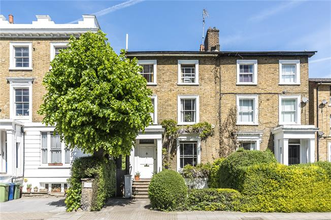 Asking Price £1,650,000, 4 Bedroom Semi Detached House For Sale in London, SE5