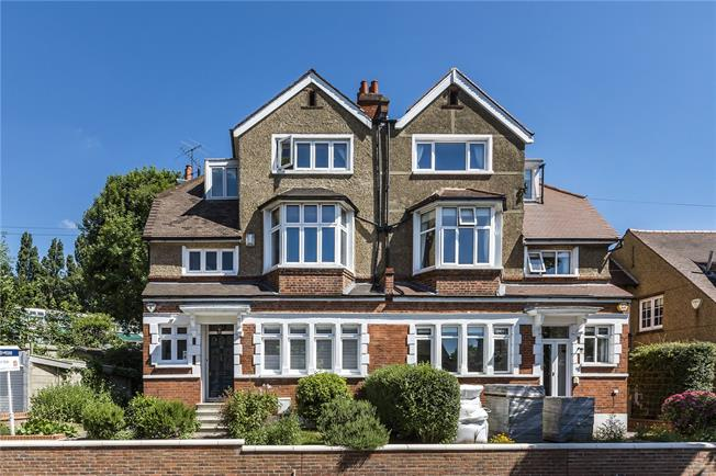 Asking Price £1,250,000, 5 Bedroom Semi Detached House For Sale in London, SE26