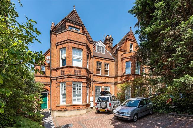Asking Price £795,000, 3 Bedroom Flat For Sale in London, SE24