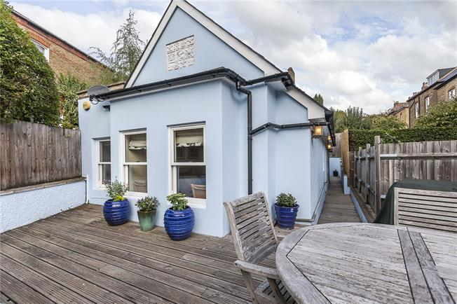 Offers in excess of £600,000, 3 Bedroom Detached House For Sale in London, SE23