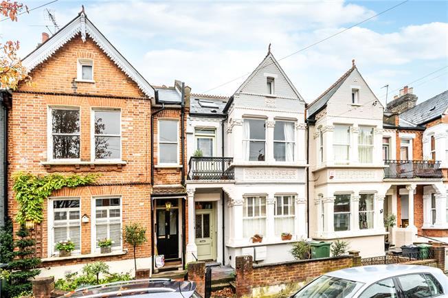 Asking Price £695,000, 3 Bedroom Flat For Sale in London, SE24