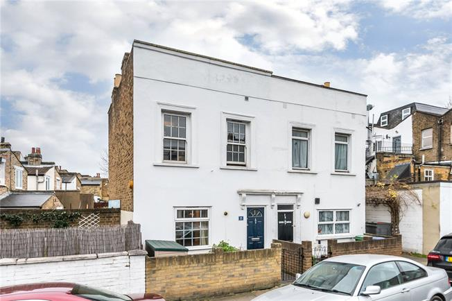 Offers in excess of £750,000, 3 Bedroom Semi Detached House For Sale in London, SE22