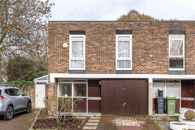 Asking Price £950,000, 4 Bedroom End of Terrace House For Sale in London, SE21