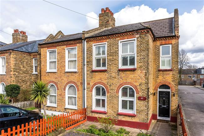 Asking Price £775,000, 3 Bedroom Semi Detached House For Sale in London, SE27