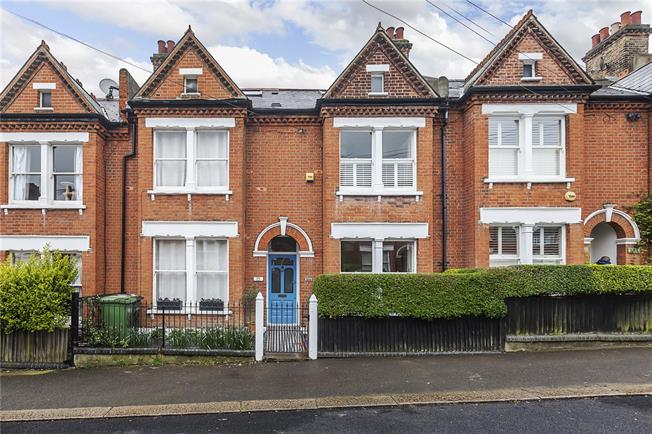 Guide Price £700,000, 3 Bedroom Terraced House For Sale in London, SE23
