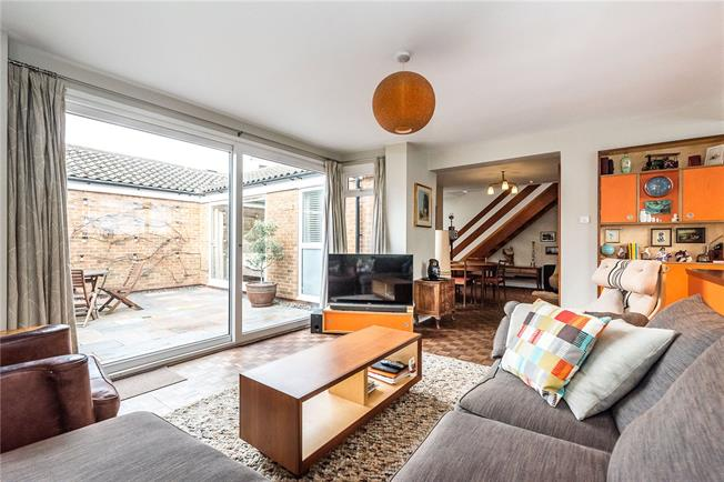 Asking Price £1,100,000, 4 Bedroom House For Sale in London, SE24