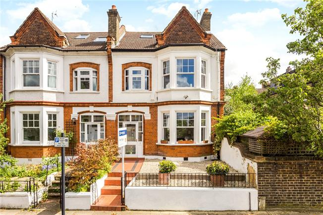 Asking Price £1,250,000, 4 Bedroom Semi Detached House For Sale in London, SE24