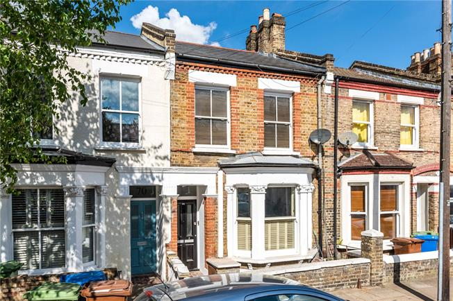 Asking Price £450,000, 1 Bedroom Flat For Sale in London, SE22
