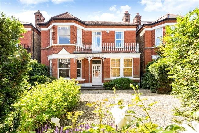 Offers in excess of £1,750,000, 5 Bedroom House For Sale in London, SE27
