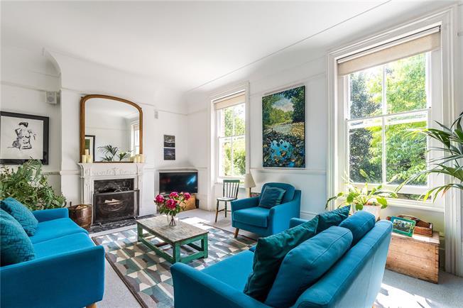 Asking Price £650,000, 2 Bedroom Flat For Sale in London, SE26