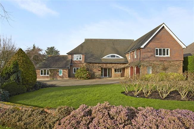 Guide Price £1,995,000, 6 Bedroom Detached House For Sale in Surrey, SM2