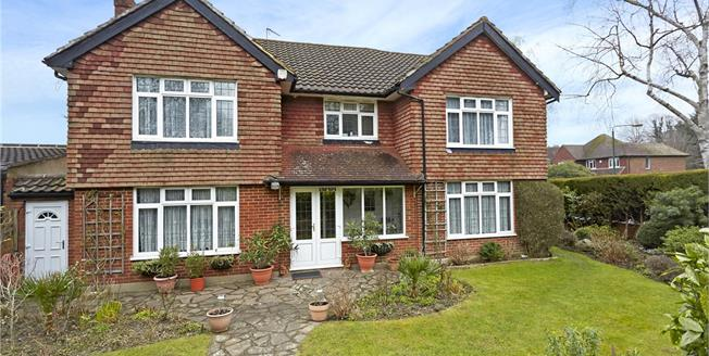 Guide Price £1,250,000, 5 Bedroom Detached House For Sale in Surrey, SM2